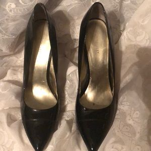 4' Nine West shiny black dress shoes. Size 11